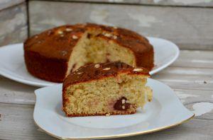 Recette Gâteau au yaourt, fraises et amandes