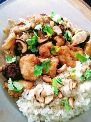 Recette Wok de chou chinois, saucisses chinoise et poulet frit