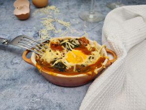 Recette Gratin épinards, sauce tomate et oeufs