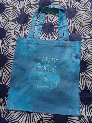 Recette Tote bag - LE PETIT BAZAR DE ... #teinture #broderie #diy