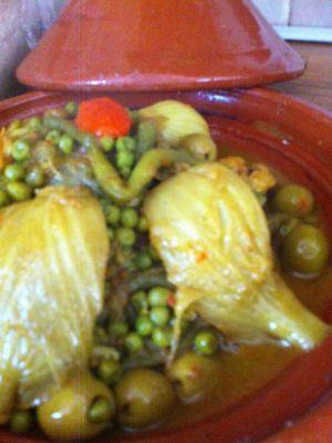 Recette Tagine de poulet aux petits pois, olives et fenouil