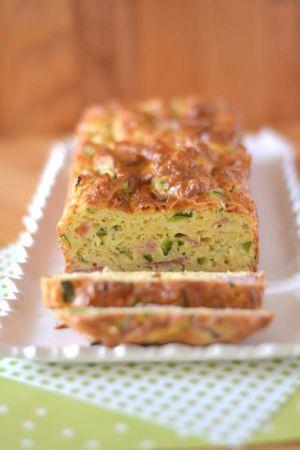 Recette Cake à la courgette et aux lardons