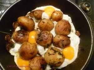 Recette Poêlée de pommes de terre et champignons à la forestière, aux œufs