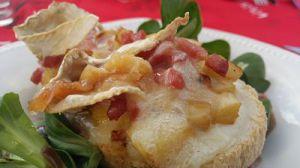 Recette Bruschetta normande pommes-camembert-lardons