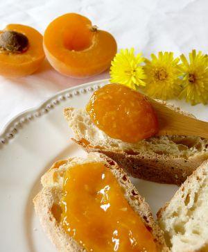 Recette Confiture ensoleillée d'abricot et noix de coco