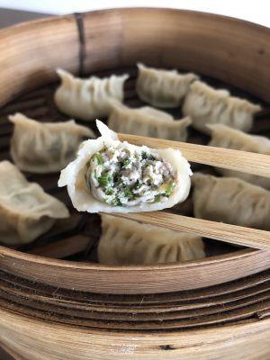 Recette Jiaozi (gyoza) au porc et aneths 猪肉茴香水饺