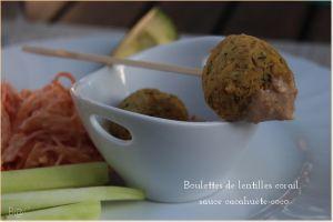 Recette Boulettes de lentilles corail aux épices, sauce coco-cacahuète