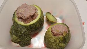 Recette Courgettes rondes farcies à la saucisse de Toulouse au Cookéo