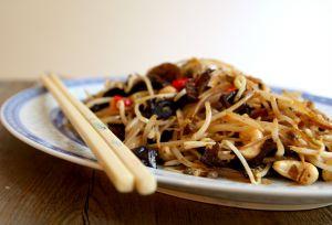 Recette Haricots germés sautés aux champignons noirs et noix de cajou {Vegan}