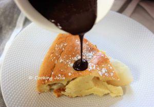 Recette Clafoutis poire-amande, sauce au chocolat