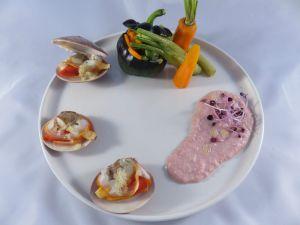 Recette Vernis, poivron noir farci aux haricots violets et carottes, crème de jambon au gingembre