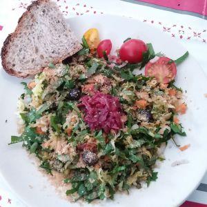 Recette Crudités de chénopodes ou épinards,  légumes variés  et chou rouge lacto fermenté