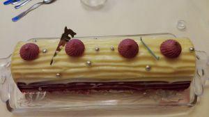 Recette Bûche citron, cassis, chocolat blanc