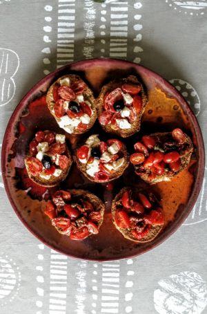 Recette Apéro super facile : Friselle des Pouilles aux légumes