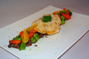 Recette Perche au riz 3 couleurs, fèves et carottes