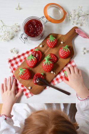 Recette Envie de Fraise et de Printemps! – Macarons fraises en forme de fraise