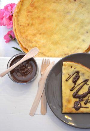 Recette Crêpes au lait d'amande, saveur vanille - Pâte à tartiner maison { sans lactose, ni beurre }