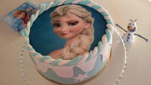 Recette Gâteau Reine des neiges ( Pâte à sucre )