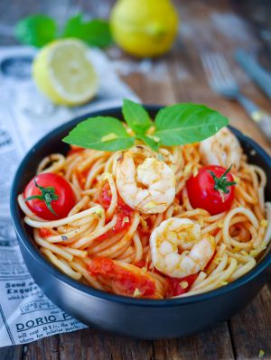 Recette Spaghettis sauce tomate, crème de soja et crevettes