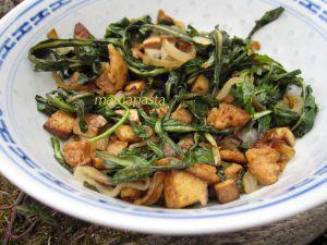 Recette Sauté de pissenlits aux sojas et oignons