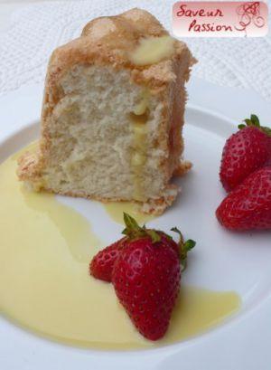 Recette Que faire avec des blancs d'oeufs ? Et Angel cake, fraises, crème anglaise à la fleur de sureau