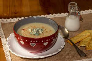 Recette Velouté de céleri rave au lait de coco et roquefort