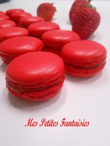 Recette Macarons fraises bonbons / ganache à la fraise