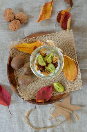 Recette Chia pudding aux kiwi, datte et noix