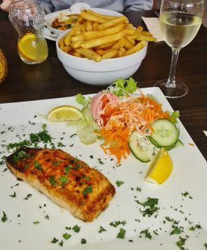 Recette Saumon mariné, grillé, mayonnaise à l'avocat et à l'aneth (cuisine Juive, Hanouka)
