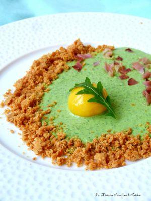 Recette Oeuf confit au froid, crème de roquette et crumble de parmesan