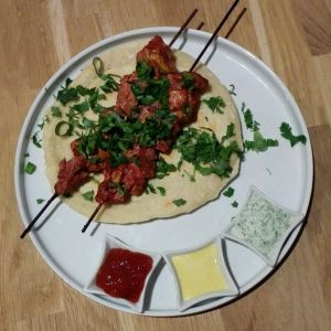 Recette Brochette de poulet tandori et naans au fromage