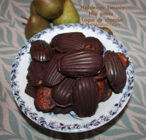 Recette Madeleines au sarrasin, miel, poires et coque de chocolat