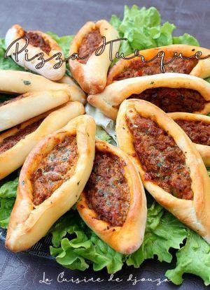 Recette Pizza Turque à la viande hachée {Kiymali pide}