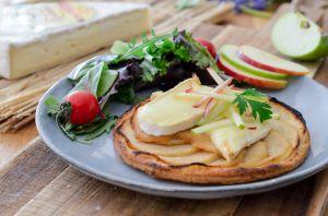 Recette Tarte fine aux pommes et au Brie