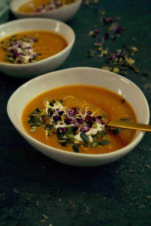 Recette Soupe de butternut et poireaux , graines germées