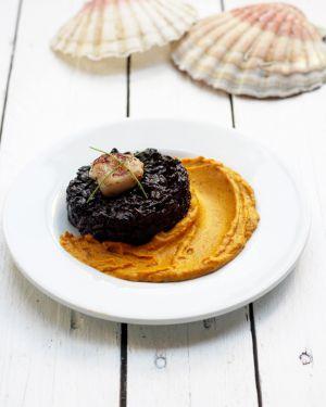 Recette Mon risotto noir aux coquilles Saint Jacques