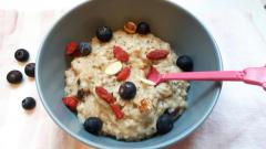 Recette Porridge vegan à l'amande et graines de chia