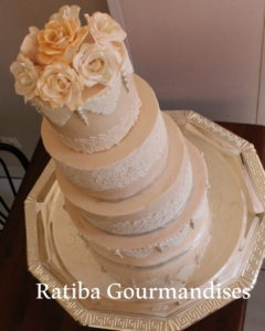 Recette Wedding cakes et Gateaux d'anniversaire en pâte a sucre sur alger