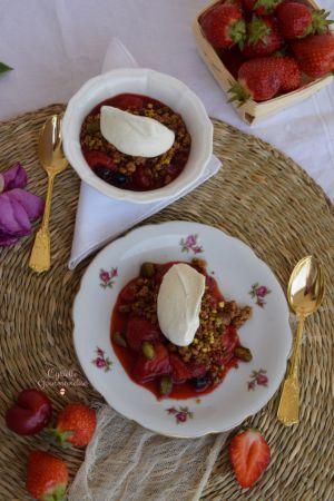 Recette Fruits Rouges Poêlés, Crumble et Chantilly Pistache
