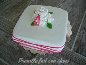 Recette Gateau roses blanches en pâte à sucre