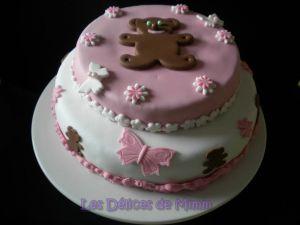 Recette Gâteau aux oursons et aux papillons (pâte à sucre)