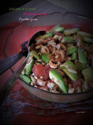 Recette Salade avocat, pamplemousse rose et crevettes grises