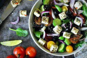 Recette Salade concombre-tomate à l'oignon rouge et chèvre