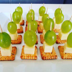 Recette Amuse-bouches aux petits sablés bretons, raisins, fromage