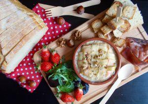 Recette Camembert au four : fraise, lardon et rhubarbe