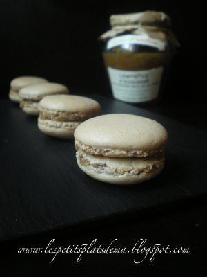 Recette Macarons au foie gras et compotée d'oignons