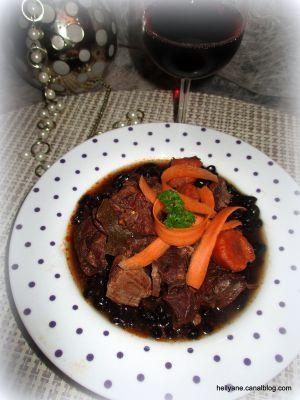 Recette Daube + poitrine de porc en sauce, accompagnées de haricots noirs