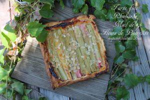 Recette Tarte fine rhubarbe et miel de fleurs de pissenlit