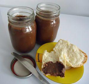 Recette Pâte à tartiner aux amandes et noisettes (Nutella maison)
