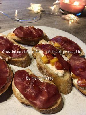 Recette Crostini au chèvre frais, pêche et prosciutto